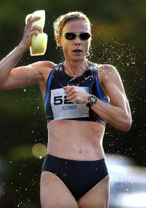 Joanne Dow takes the bronze at the 2003 PanAm 20K race walk