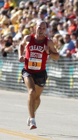 Marzuki Stevens finishes the Chicago Marathon in 2:22:28.