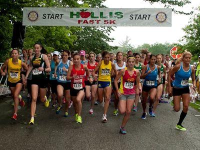Women's start at Hollis Fast 5K (photo: Wayne Flannigan)